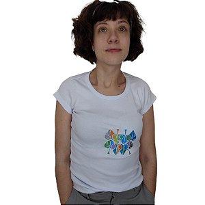 Camiseta em malha de algodão bordada a máquina - Espadas.