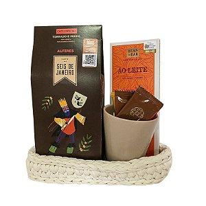 Cesto Café Seis de Janeiro com Caneca e Chocolates