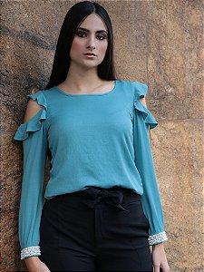 Blusa azul com abertura no ombro