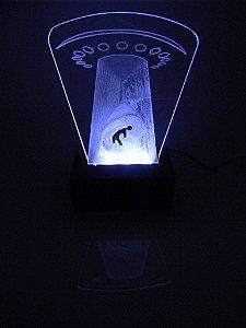Luminária de Mesa Led Acrílico Disco Voador Bivolt Branco