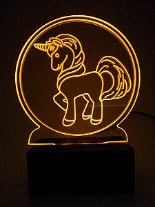 Luminária de Mesa Led Acrílico Unicórnio Bivolt Amarelo