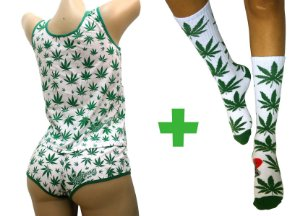 Pijama Feminino Cannabis Branco Completo Regata e Short + Meia