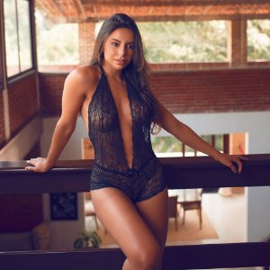 BODY SEXY EM RENDA FRENTE ÚNICA REGULÁVEL COM LACINHO AFRODITE
