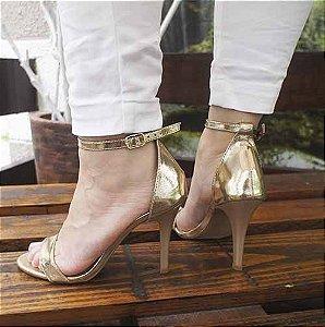 Sandália Zhaceci Salto Alto Dourada