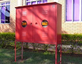 Caixa de Hidrante Incendio  Industriais com pés e Pingadeira 90x120x30