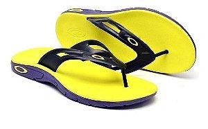 Chinelo Oakley Rest 2.0 - Amarelo com Roxo