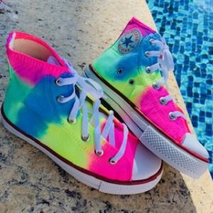 TÊNIS ALL STAR NEON TIE DYE