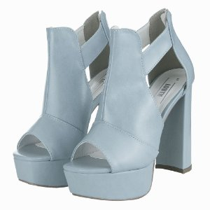Ankle Boot Louth Fechada Nuvem