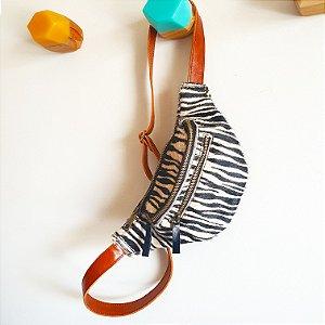 Pochete Madureira Zebra com caramelo