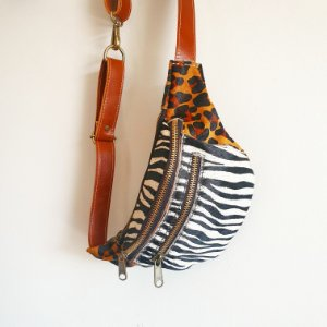 Pochete Madureira Zebra com Onça