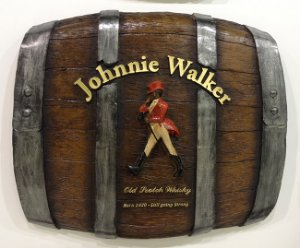 Barril Horizontal de parede em fibra decorativo - Johnnie Walker Whisky