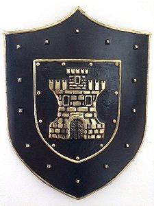 Escudo KG Medieval de parede em fibra - Escudo New Castle (62 x 47 x 5cm)