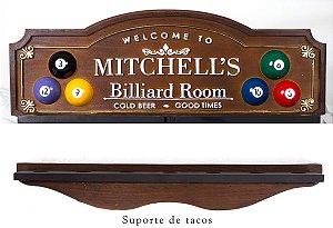 Placa Porta-tacos KG Mitchell´s decorativa em fibra - Mitchell´s Billiard Room - Porta-Tacos Sinuca + Suporte