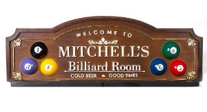 Placa KG Mitchell´s decorativa em fibra - Mitchell´s Billiard Room - Suporte Copos / Porta-Espetos