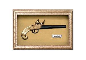Quadro de Arma Resina KG Russian Pistol - Clássico