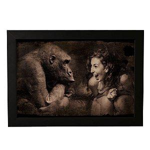 Quadro Decorativo Mulher e Gorila