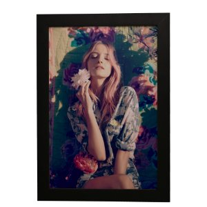 Quadro Decorativo Menina e Flores
