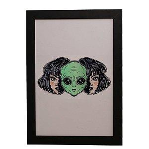 Quadro Decorativo Menina Alienígena
