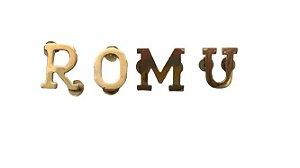 Letras ROMU banhadas