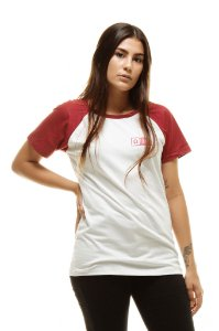 Camiseta Raglan Branca e Bordô