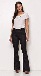 calça jeans flare preta