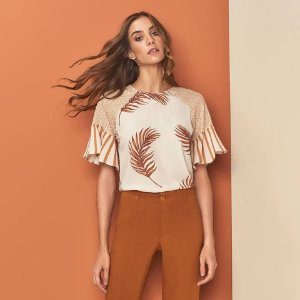 Blusa com mix de estampa