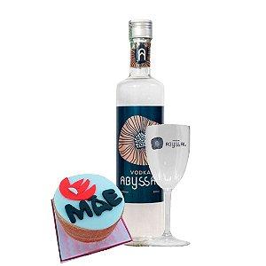 Vodka Abyssal 500ml + Taça Abyssal + Bolo Naked 500g Dia das Mães