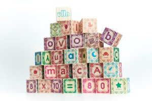 Blocos de Montar de Madeira - Kit ABC Ilustrado