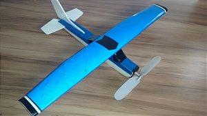 aeromodelo cessna 152 azul refletivo claro