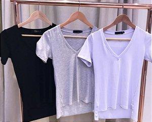 T-shirt decote V