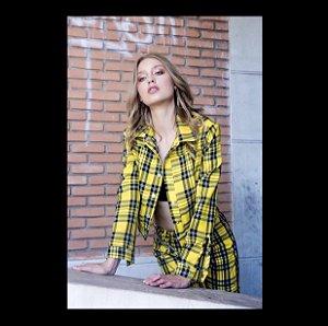 Jaqueta cropped xadrez amarela