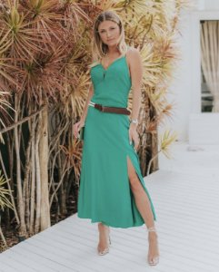 Vestido longuete de alcinha com fenda