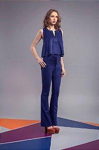Conjunto de cropped e calça em camurça azul