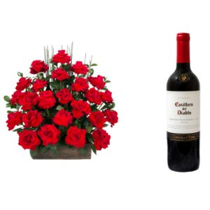 Arranjo de Flores Eu te amo + Vinho Casillero Del Diablo Reserva Cabernet Sauvignon