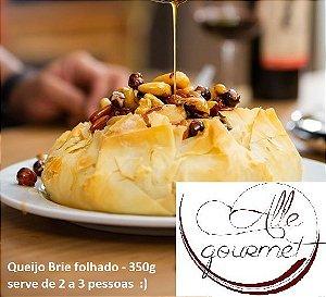 Queijo brie mini, uma deliciosa massa folhada com queijo brie , serve até 3 fatias peso 350 g