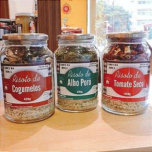 Risoto de Alho Poró, todos os ingredientes e temperos juntinhos para você finalizar em casa. Serve de 4 a 6 porções. Peso 370g