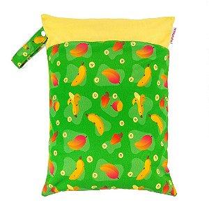 Sacola impermeável para fralda de pano ecológica - Verde - Manga, caju e banana - Fraldadinhos