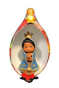 Nossa Senhora Aparecida em Biscuit no Oratório em Cabaça