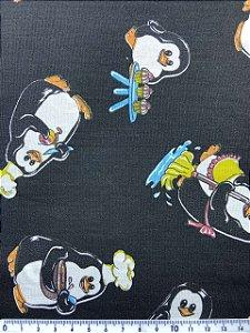 Tricoline Pinguins Fundo Preto ( 0,50 m x 1,40 m )