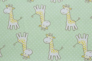 Tricoline Girafinhas fundo Verde Claro ( 0,50 m x 1,40 m )
