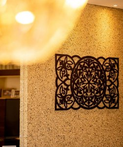 Aplique de parede para sala madeira mdf preto 32x55 cm