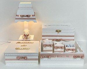 kit higiene bebê tema rendas cor rosê 6 peças e caixa laços personalizada