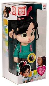 Boneca que fala Vanellope Von Schweetz da turma  Disney Detona Ralph quebra a Internet
