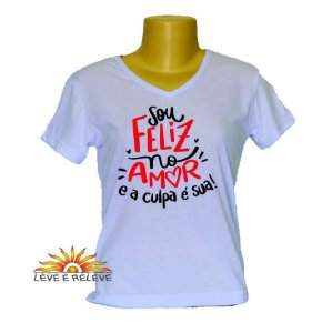 Camiseta Babylook Feliz no amor