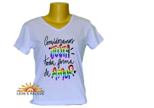 Camiseta Babylook Toda forma de amor