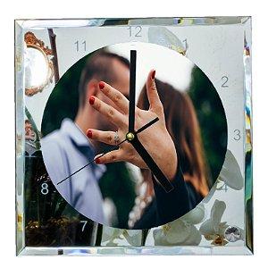 Relógio em vidro tamanho 20X20 cm espelhado e personalizável