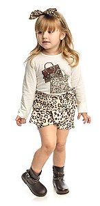 Conjunto Infantil Feminino de Blusa Off White com Shorts Matinée