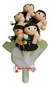 Buquê de Santo Antônio em Feltro para Casamento Noiva Artesanal com 5