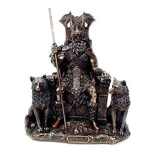 Estatua Odin no Trono