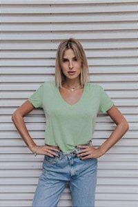 T-Shirt verde menta com renda